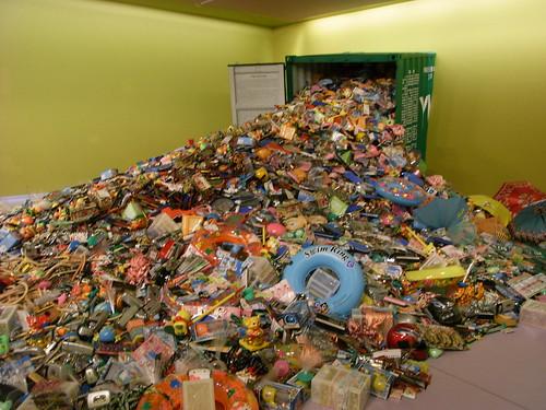 L'artiste Liu Jianhua, sculpte la crise environnementale  dans son oeuvre  Yiwu Survey, 2006